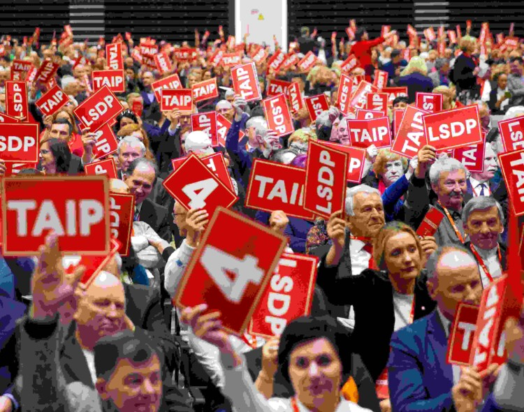 Socialdemokratai ragina dalyvauti pilietybės referendume, o referendumą dėl parlamento mažinimo siūlo ignoruoti